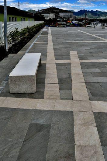 Point Grey 30x60 - Sand 30x30 gres porcellanato effetto pietra
