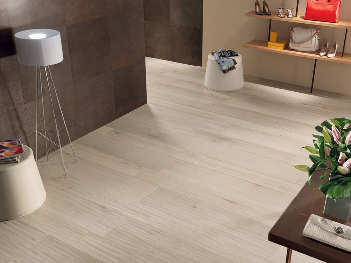 EVOKE Ivory 20x120 cm, 30x120 cm - nat. RT - Blanco - Interiores