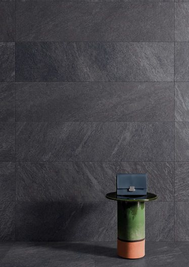 Aran Anthracite 30x120 cm Structured R10 - Black - Interiors